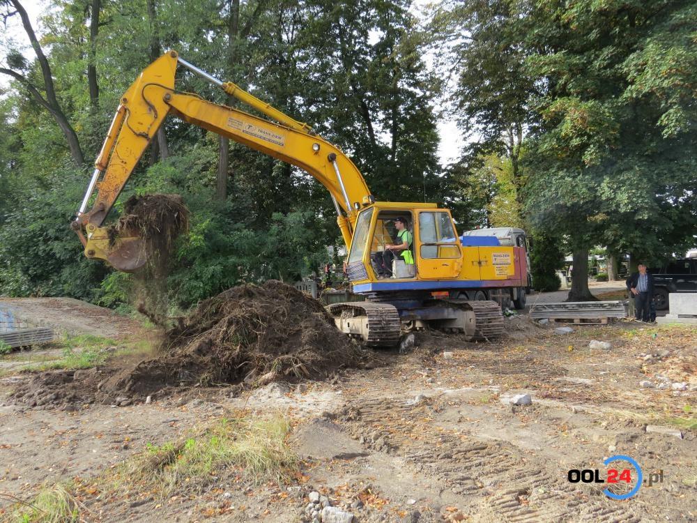 Oleski cmentarz zostanie powiększony