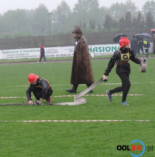 Wojewódzkie zawody sportowo-pożarnicze w Oleśnie przerwane z powodu ulewy