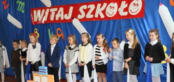 Rozpoczęcie roku szkolnego – Publiczna Szkoła Podstawowa nr 3 w Oleśnie