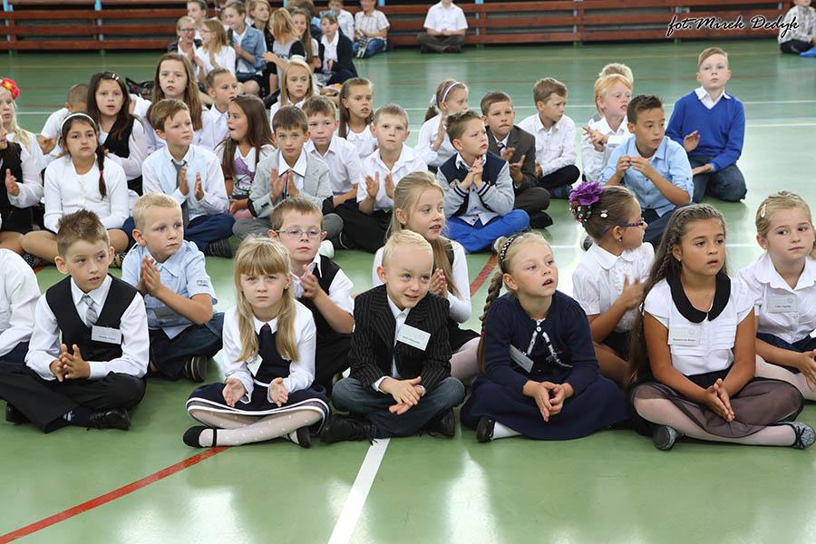Rozpoczęcie roku szkolnego – Zespół Szkół nr 2 w Oleśnie