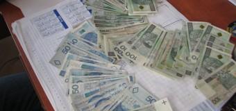 Olescy policjanci w dwie godziny odzyskali 28 tysięcy złotych