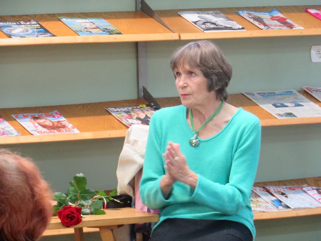 Spotkanie autorskie z Ireną Matuszkiewicz w Oleskiej Bibliotece Publicznej