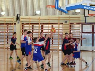 koszykówka chłopców zawody powiatowe 12 lutego 20115 r. 005