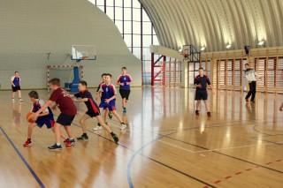 koszykówka chłopców zawody powiatowe 12 lutego 20115 r. 010