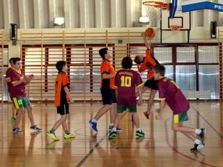 koszykówka chłopców zawody powiatowe 12 lutego 20115 r. 061