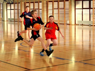 koszykówka chłopców zawody powiatowe 12 lutego 20115 r. 076