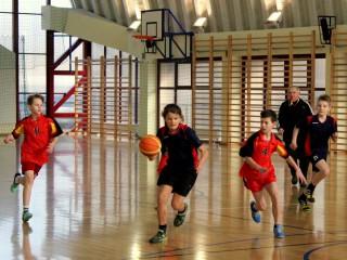 koszykówka chłopców zawody powiatowe 12 lutego 20115 r. 084