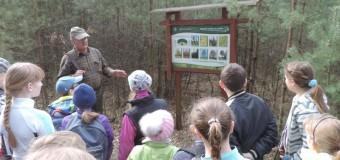Uczniowie poznawali tajemnice lasu