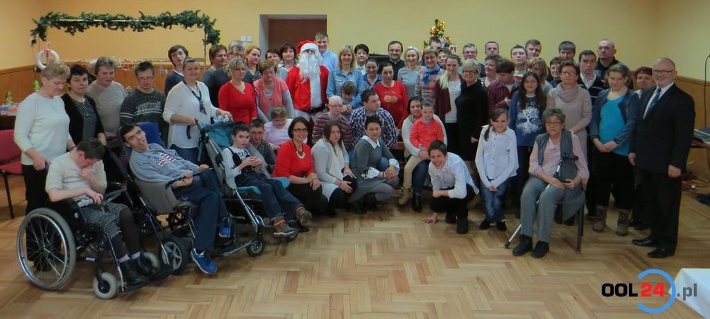 Mikołaj przyjechał nowym samochodem do ŚDS-u w Sowczycach