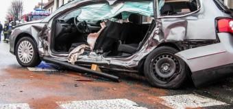 Groźny wypadek w centrum Dobrodzienia