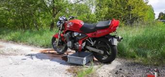 Wypadek motocyklisty w Pludrach