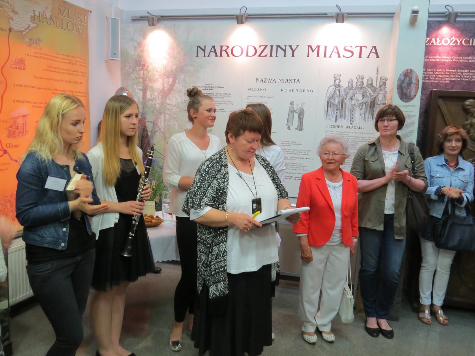 """Obchody 70-lecia oleskiego """"Ekonomika"""" rozpoczęte – otwarcie wystawy"""