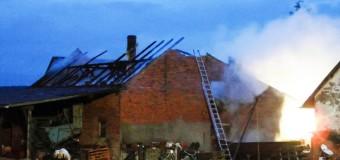 Pożar obory w Klekotnej, uratowano zwierzęta
