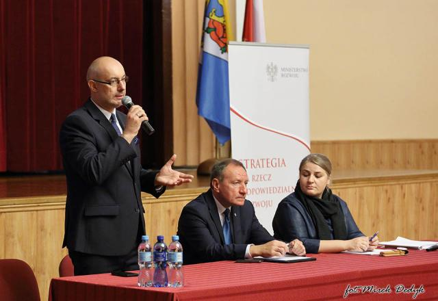 Rządowa strategia omawiana w Oleśnie