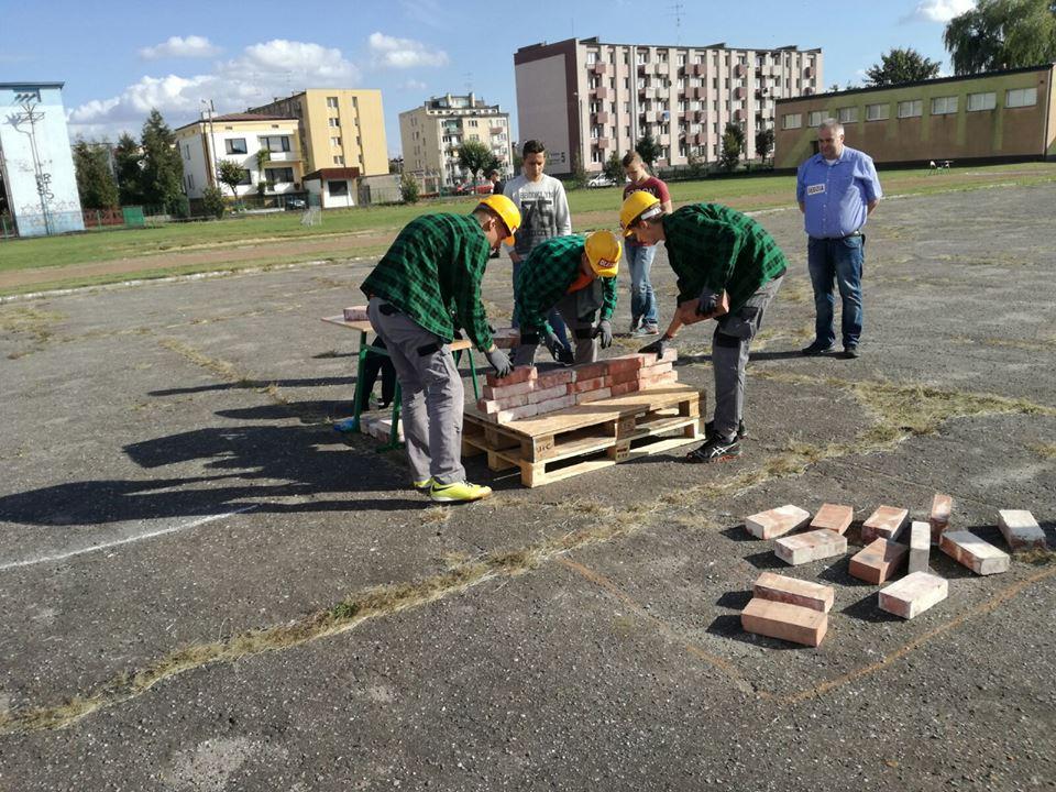 Olescy uczniowie wzięli udział w mistrzostwach szkół budowlanych