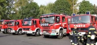 Pożar zakładu w Kowalach. Cztery osoby poparzone