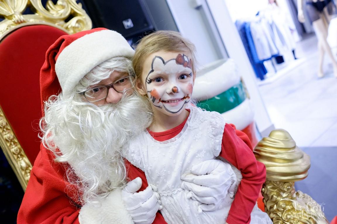 Mikołaj w Nowym Starym Kinie. Trudno się nie uśmiechnąć