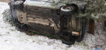 Wypadek z udziałem trzech samochodów w Łowoszowie