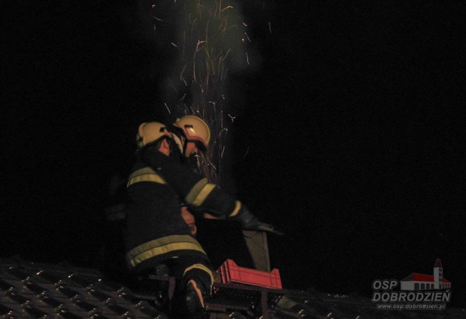 Pożar sadzy w kominie w Gosławicach