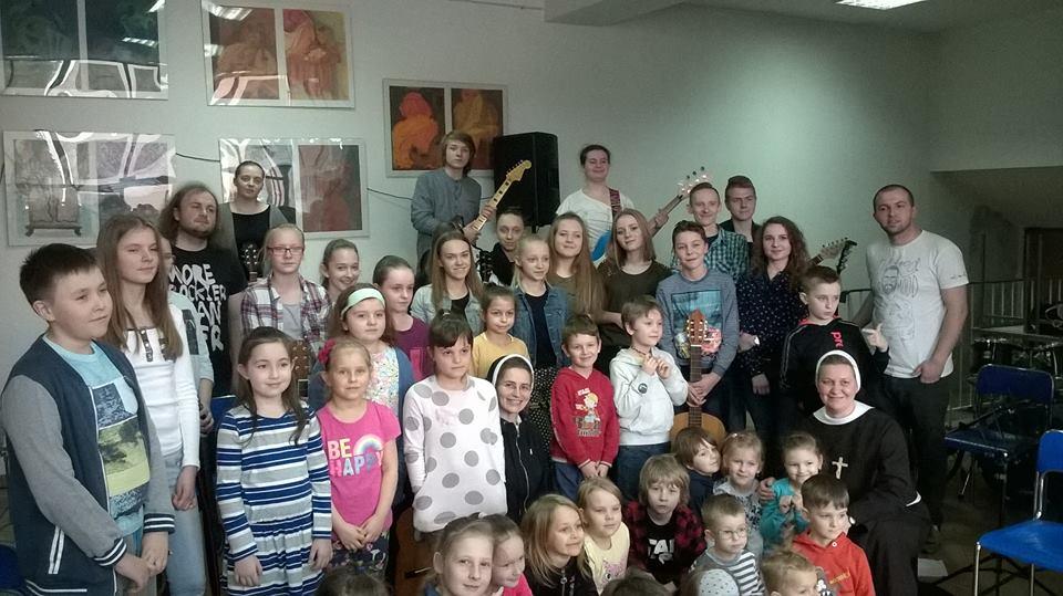 60-osobowy rock`n`rollowy zespół wystąpi w Praszce