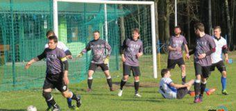Dziesięć bramek na rozpoczęcie wiosny w Wojciechowie