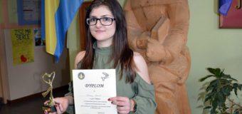 Paulina Steinert pierwsza w Wojewódzkim Konkursie Wiedzy Fryzjerskiej