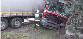 Tir uderzył w budynek w Gorzowie Śląskim