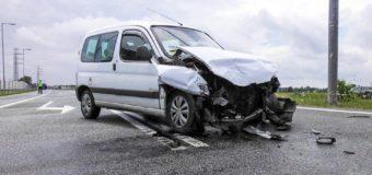 Cztery osoby poszkodowane po wypadku na obwodnicy Dobrodzienia