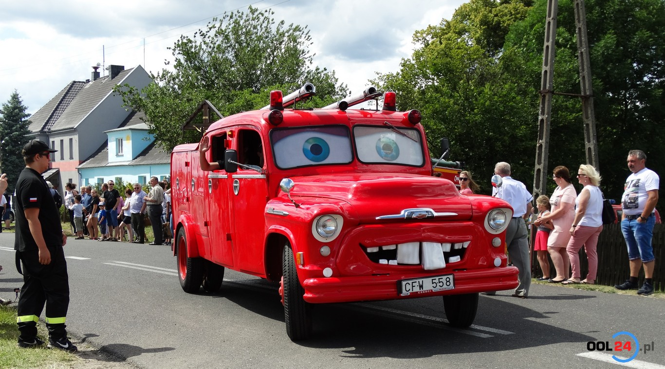 Wozy strażackie z całej Polski w Główczycach. To już IX zlot