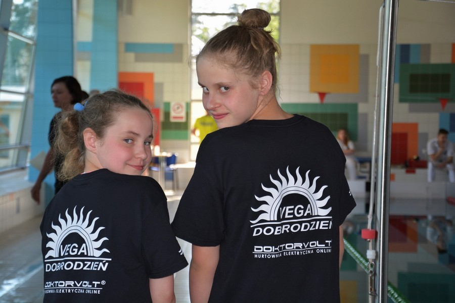 Sukcesy najmłodszych zawodniczek VEGI Dobrodzień w Ogólnopolskim Rankingu Pływackim