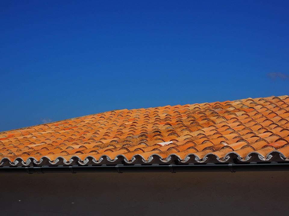Jaki materiał najlepiej sprawdzi się na pokrycie dachu?