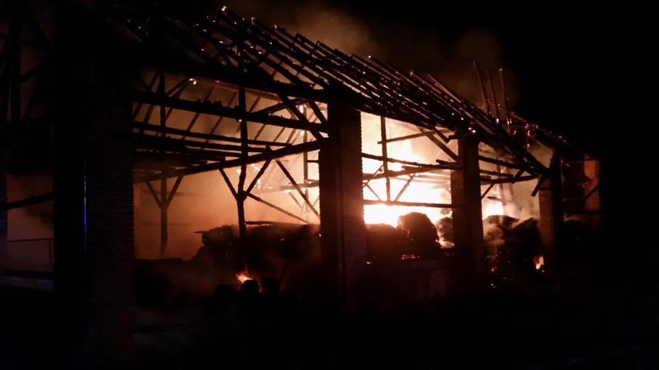 Pożar stodoły w Sowczycach. Budynek spłonął doszczętnie
