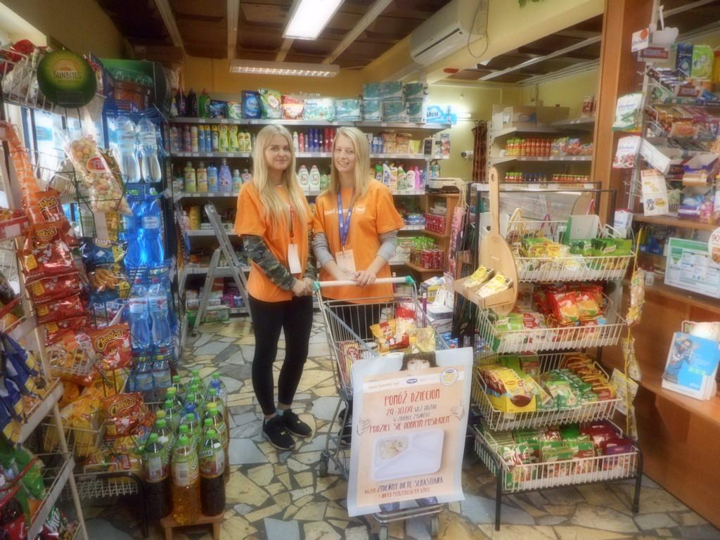 Olescy uczniowie zebrali 360 kilogramów żywności