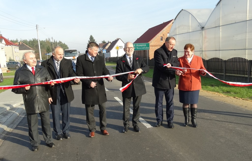 Przebudowana droga Olesno-Kolonia Biskupska oficjalnie oddana