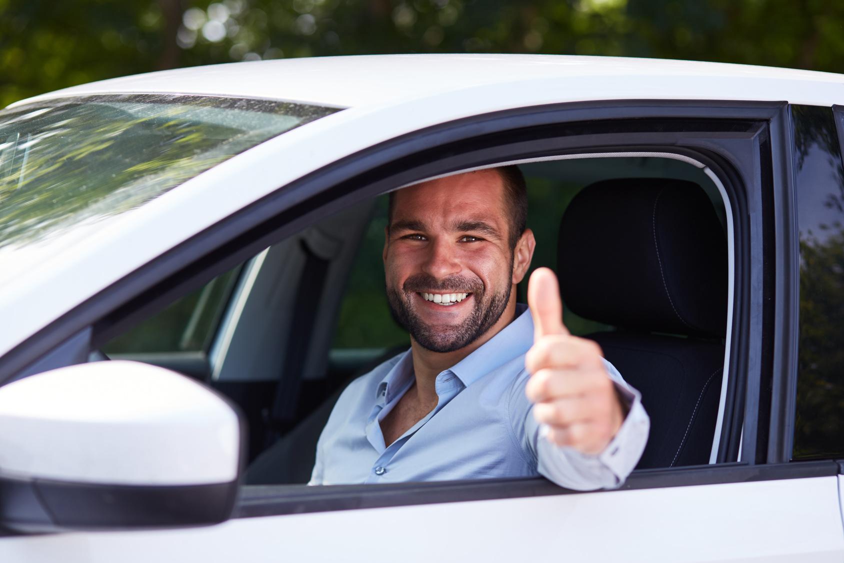 Kto może wziąć kredyt na samochód? Zobacz!