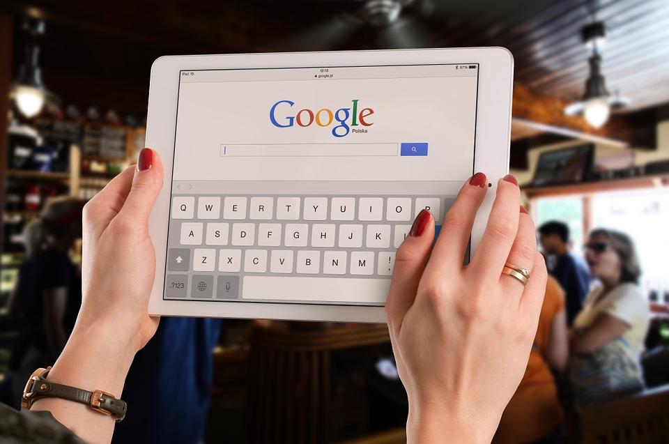 Czym jest i jak działa reklama w wyszukiwarkach? Poznaj odpowiedź!