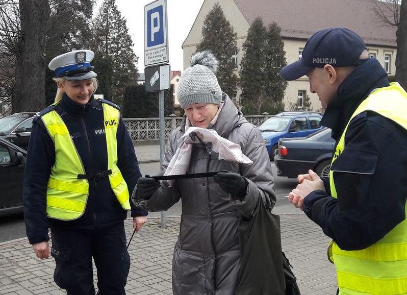 Ciekawy pomysł oleskiej policji na Dzień Kobiet