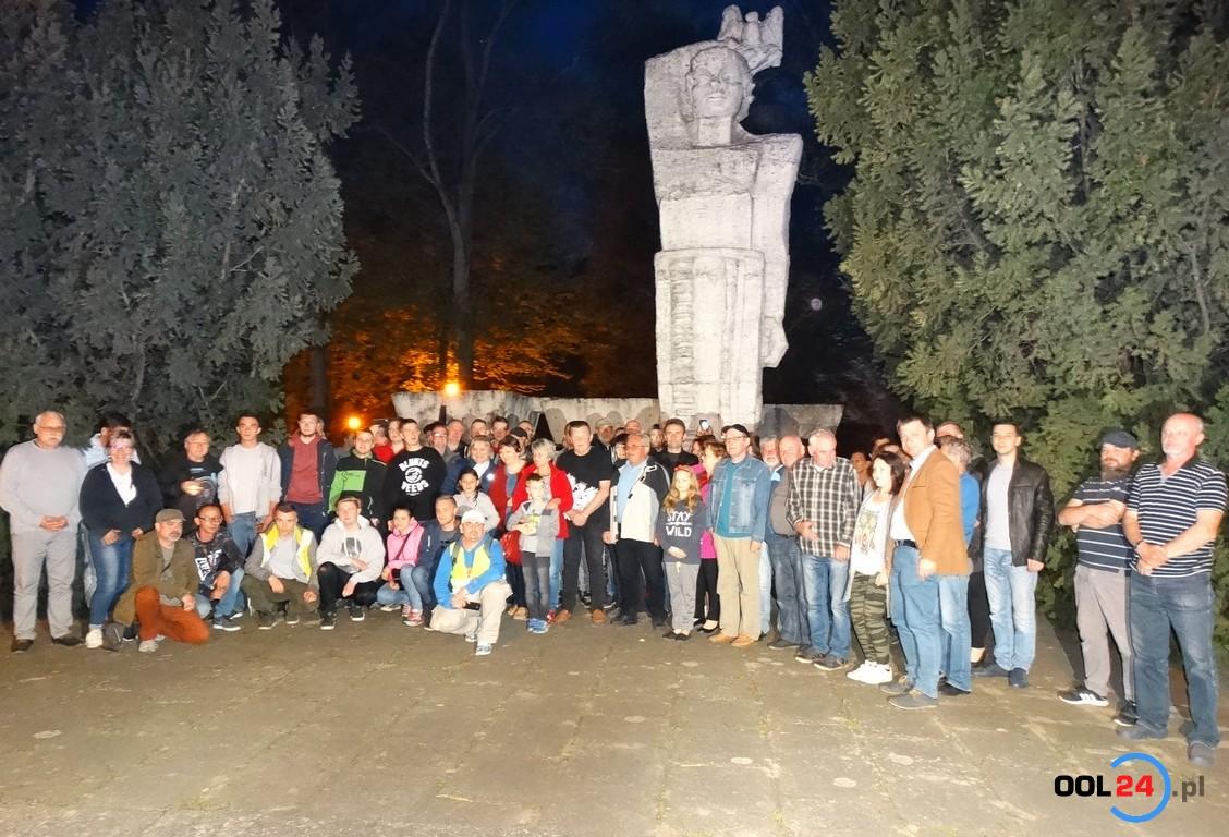 Pikieta w obronie pomnika w Gorzowie Śląskim