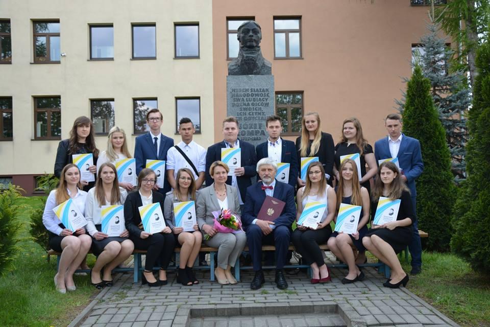 Zakończenie roku szkolnego dla maturzystów ZSZ Olesno