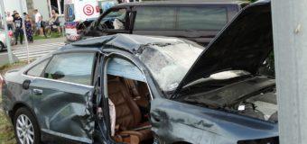 Wypadek dwóch samochodów na skrzyżowaniu w Oleśnie. W akcji śmigłowiec LPR
