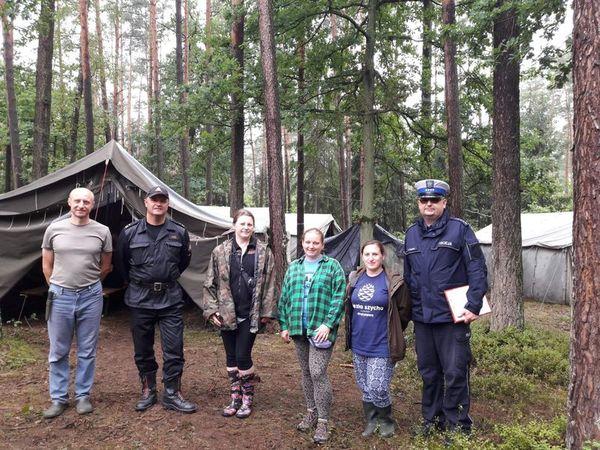 Policjanci i strażacy sprawdzili bezpieczeństwo harcerzy w Kucobach