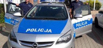 Policjanci na sygnale eskortowali samochód, w którym kobieta miała problemy z oddychaniem