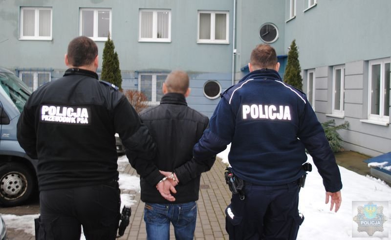 Policja rozbiła grupę narkotykową – 400 zarzutów