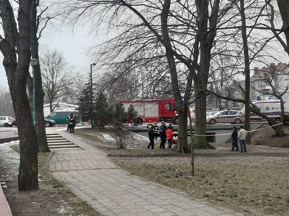 Ciało mężczyzny znaleziono w kanale Młynówka w Oleśnie