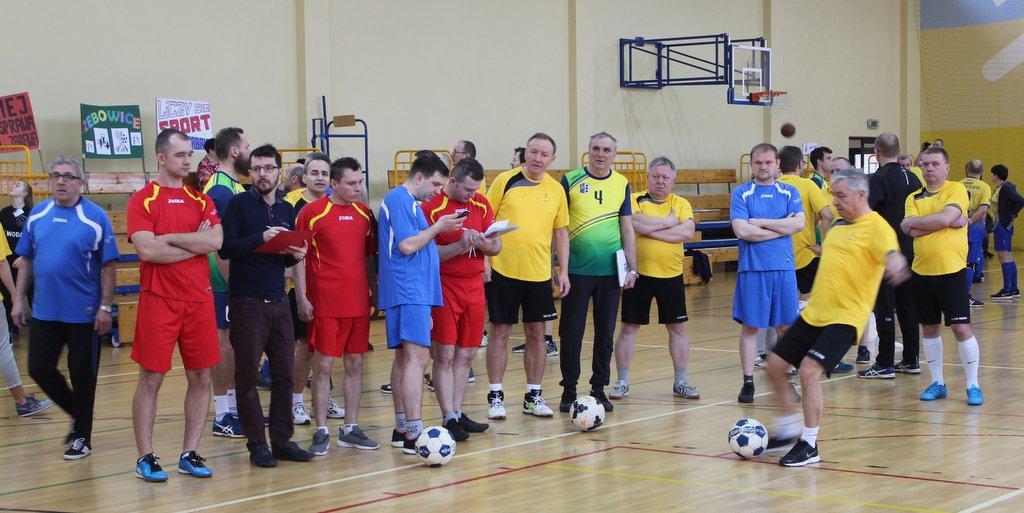 Burmistrzowie, wójtowie i radni walczyli o sportowy honor gmin