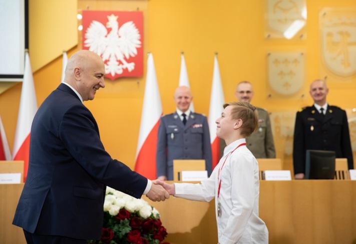 14-letni Denis z Praszki odznaczony przez ministra za bohaterską postawę