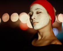 Zabiegi kosmetyczne dla skóry dojrzałej – na co warto się zdecydować