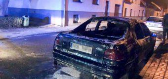 Pożar samochodu w Dobrodzieniu