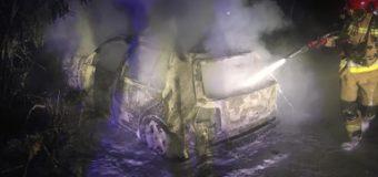 Człowiek spłonął w samochodzie