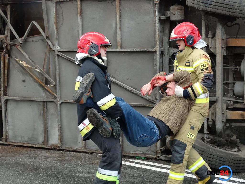 Ofiary śmiertelne, mnóstwo poszkodowanych, autobus i trzy samochody osobowe – ćwiczenia